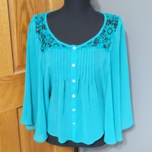 Batwing Sleeve Lace Blouse